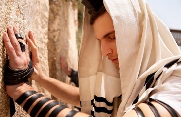 IMG_2521-taking-on-tefillin