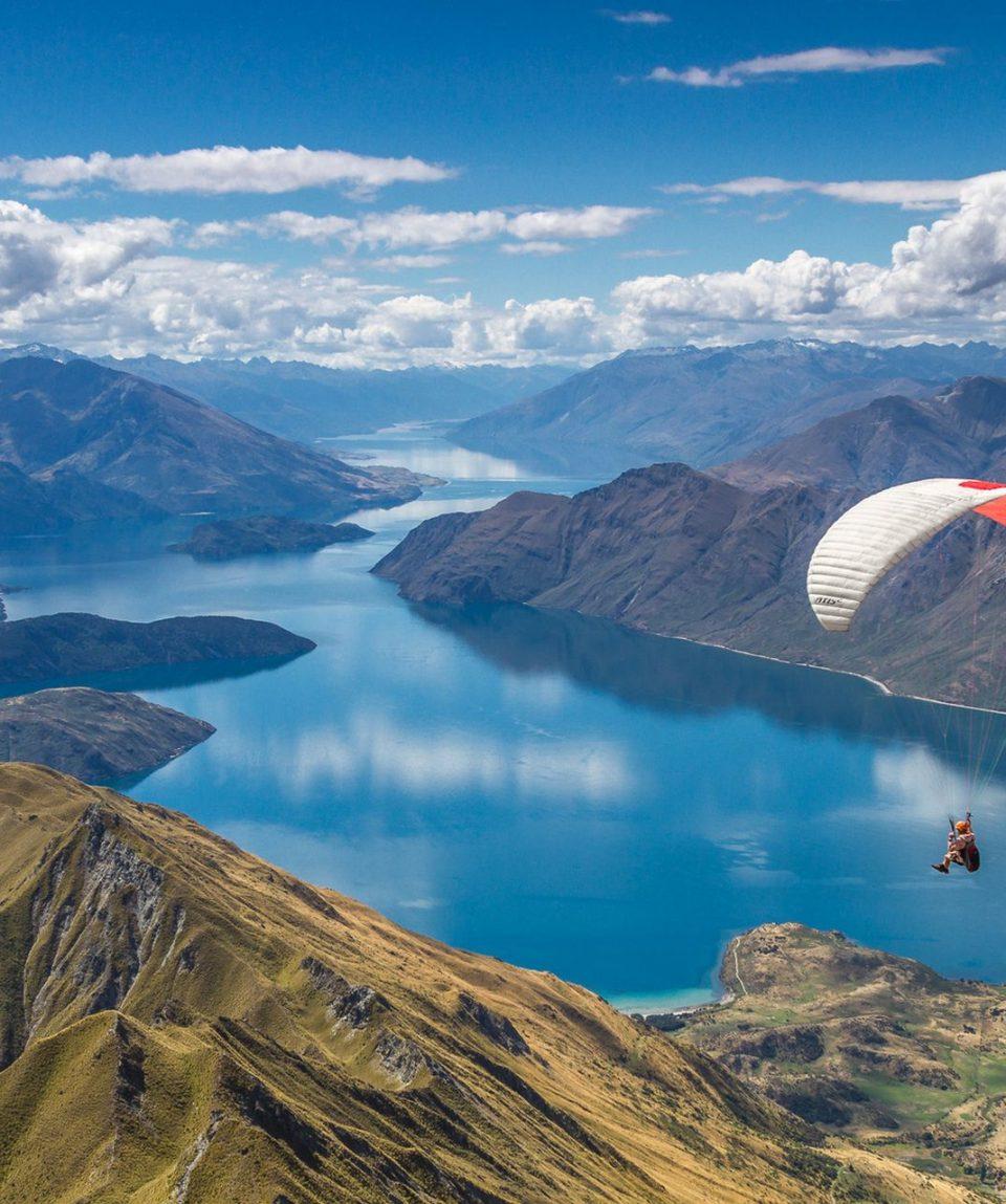 Parachuting-in-Wanaka-New-Zealand