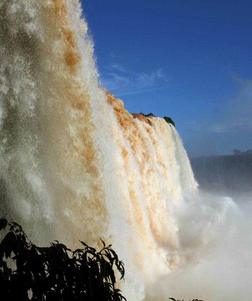 iguazu-falls-2432106