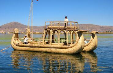 lake-titicaca-2931536