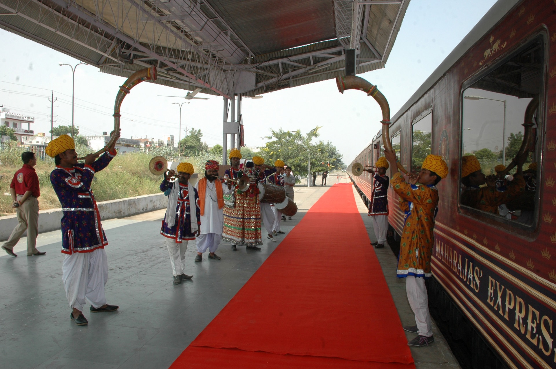 NOMAD-luksusowe-pociągi-Maharajas-Express-Indie-02
