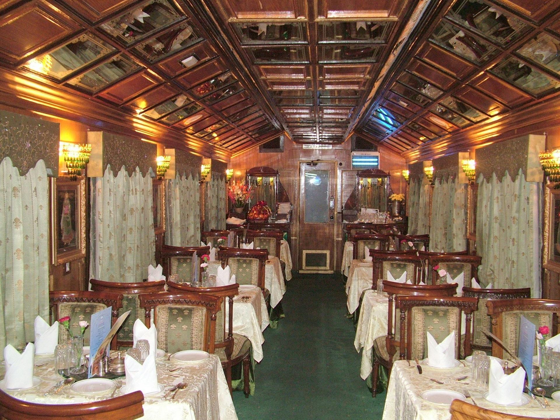 NOMAD-luksusowe-pociągi-Palace-on-wheels-Indie-07