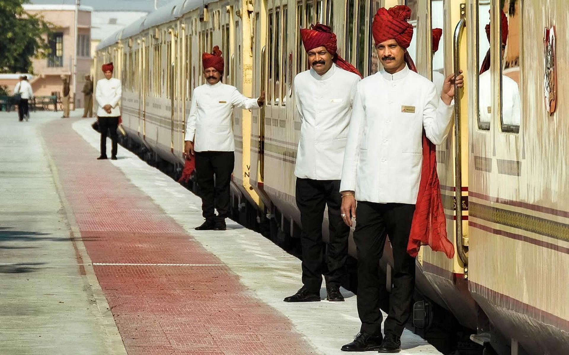 NOMAD-luksusowe-pociągi-Palace-on-wheels-Indie-12