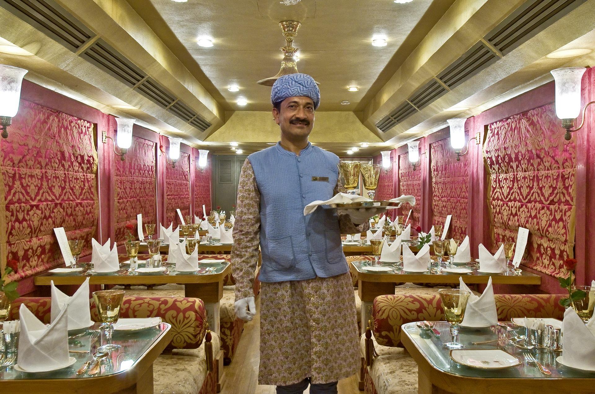 NOMAD-luksusowe-pociągi-Royal-Rajasthan-on-wheels-Indie-09