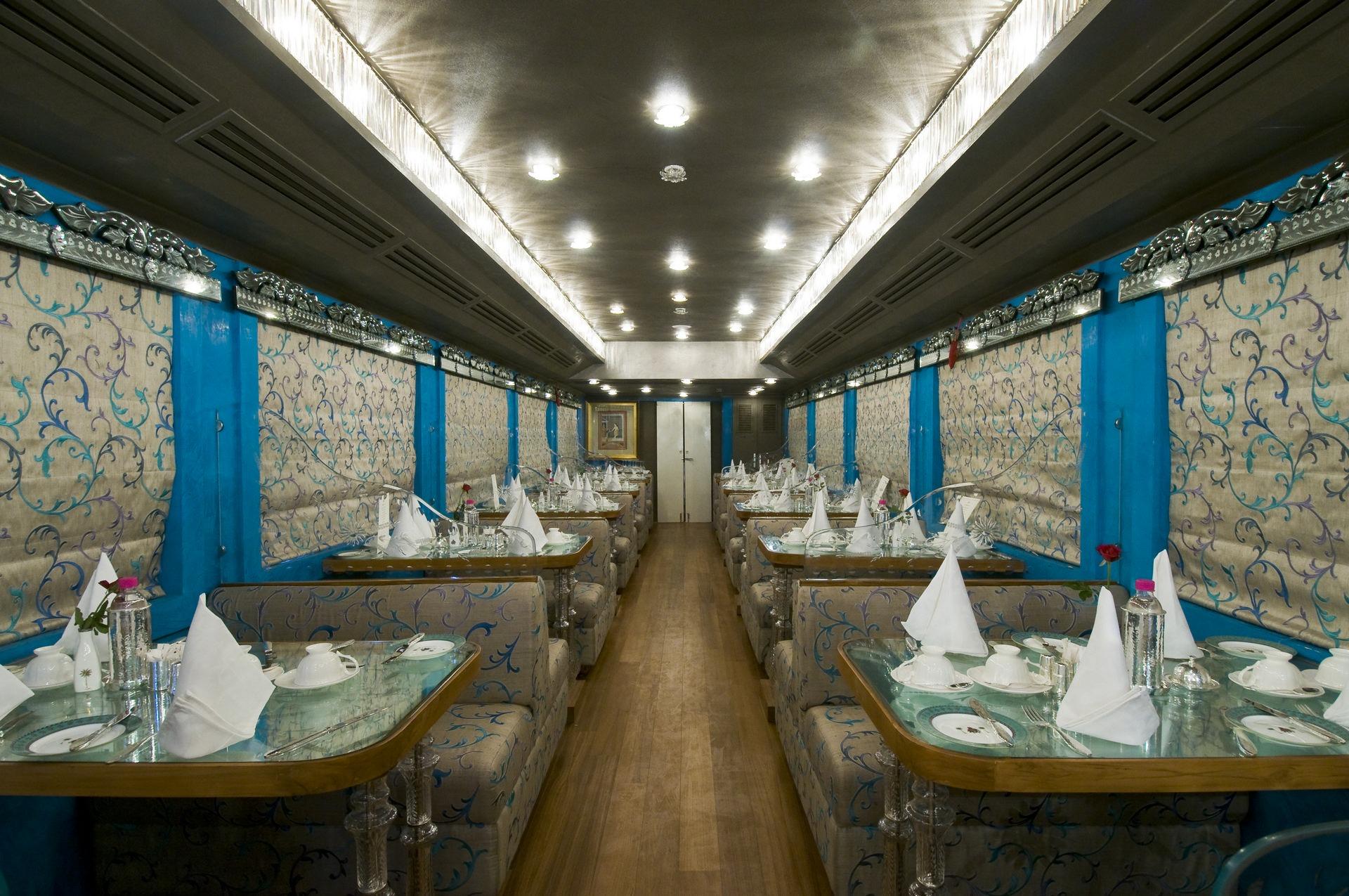 NOMAD-luksusowe-pociągi-Royal-Rajasthan-on-wheels-Indie-12