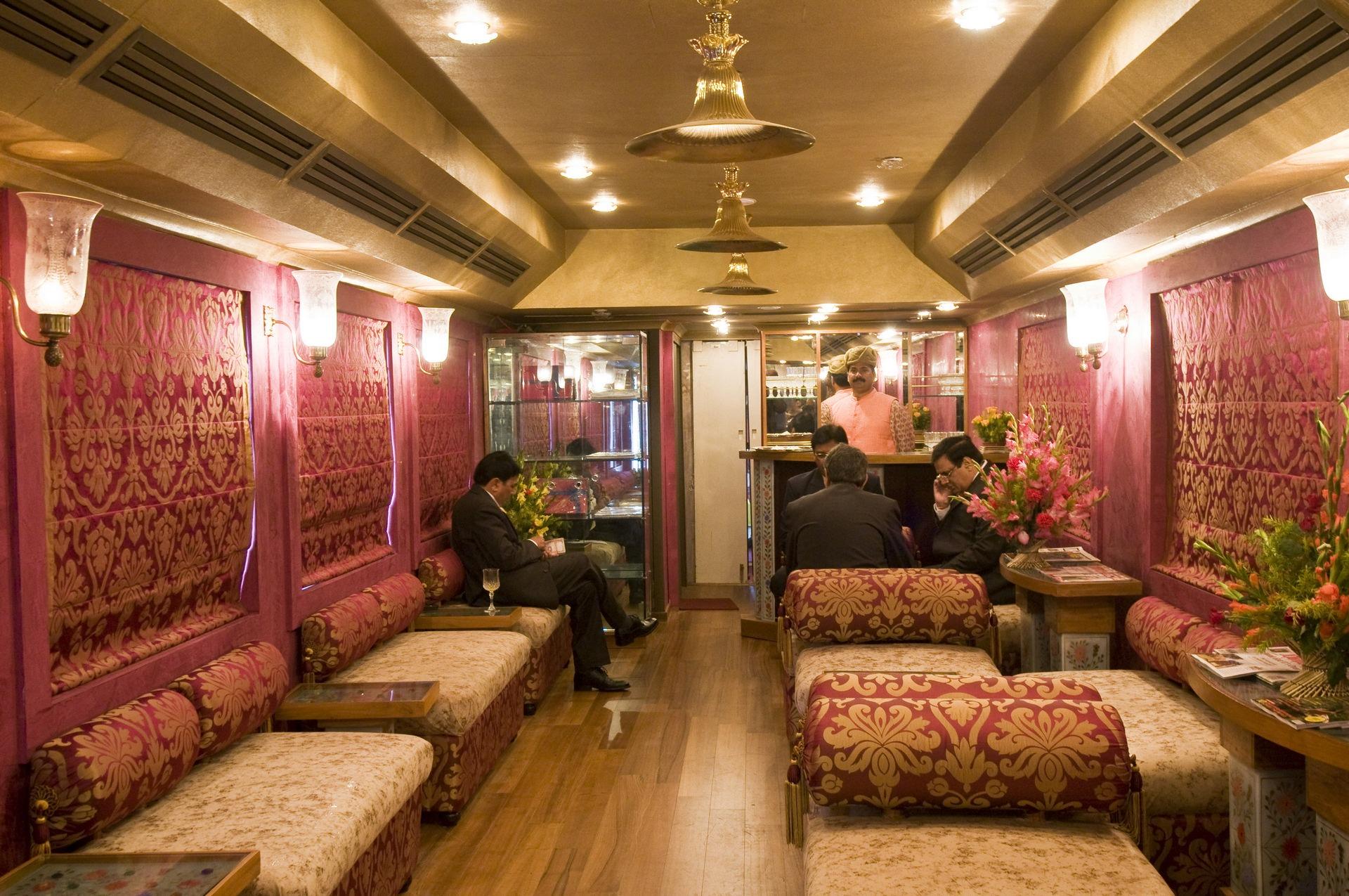 NOMAD-luksusowe-pociągi-Royal-Rajasthan-on-wheels-Indie-13