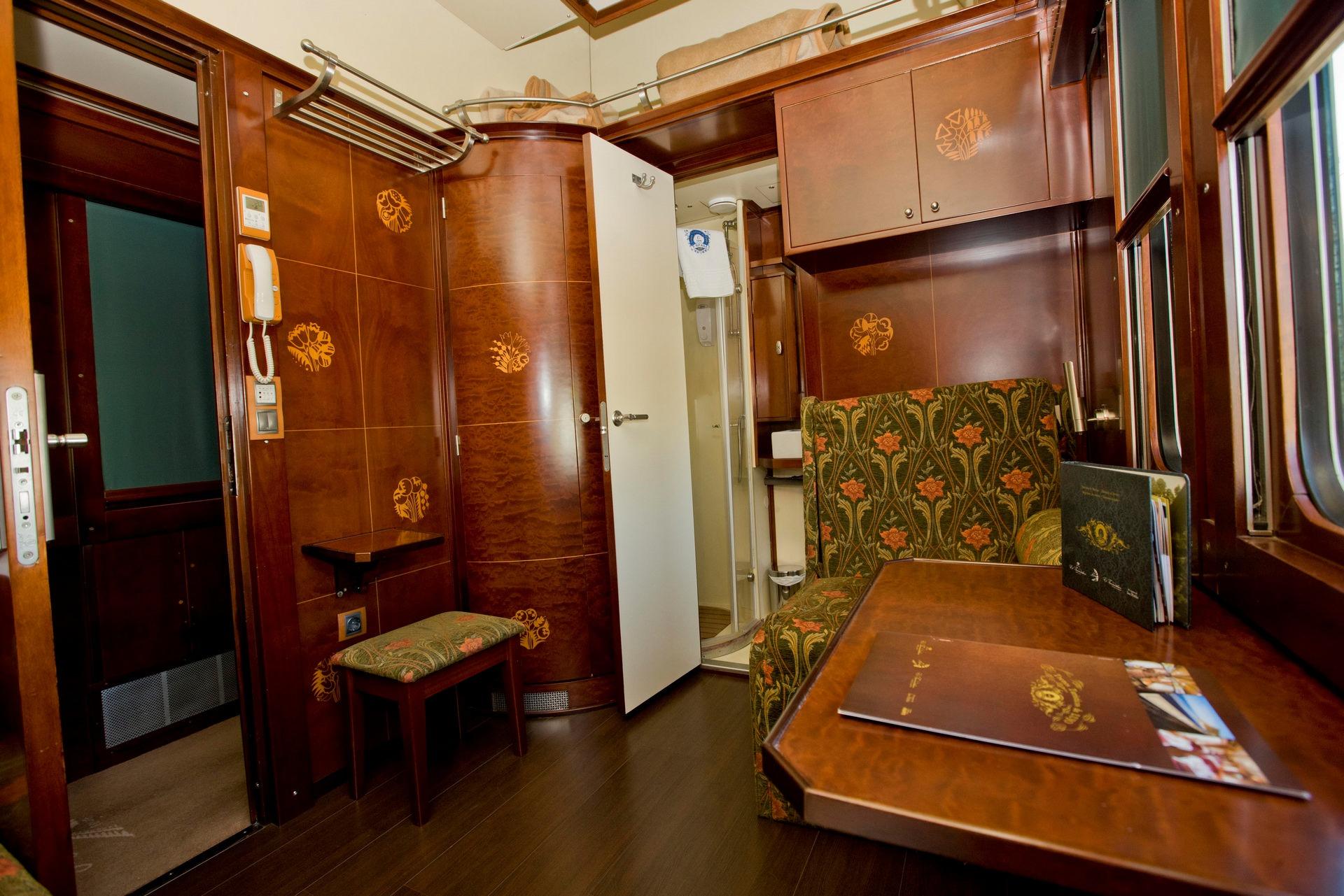 NOMAD-luksusowe-pociągi-w-Hiszpani-Al-Andalus-03