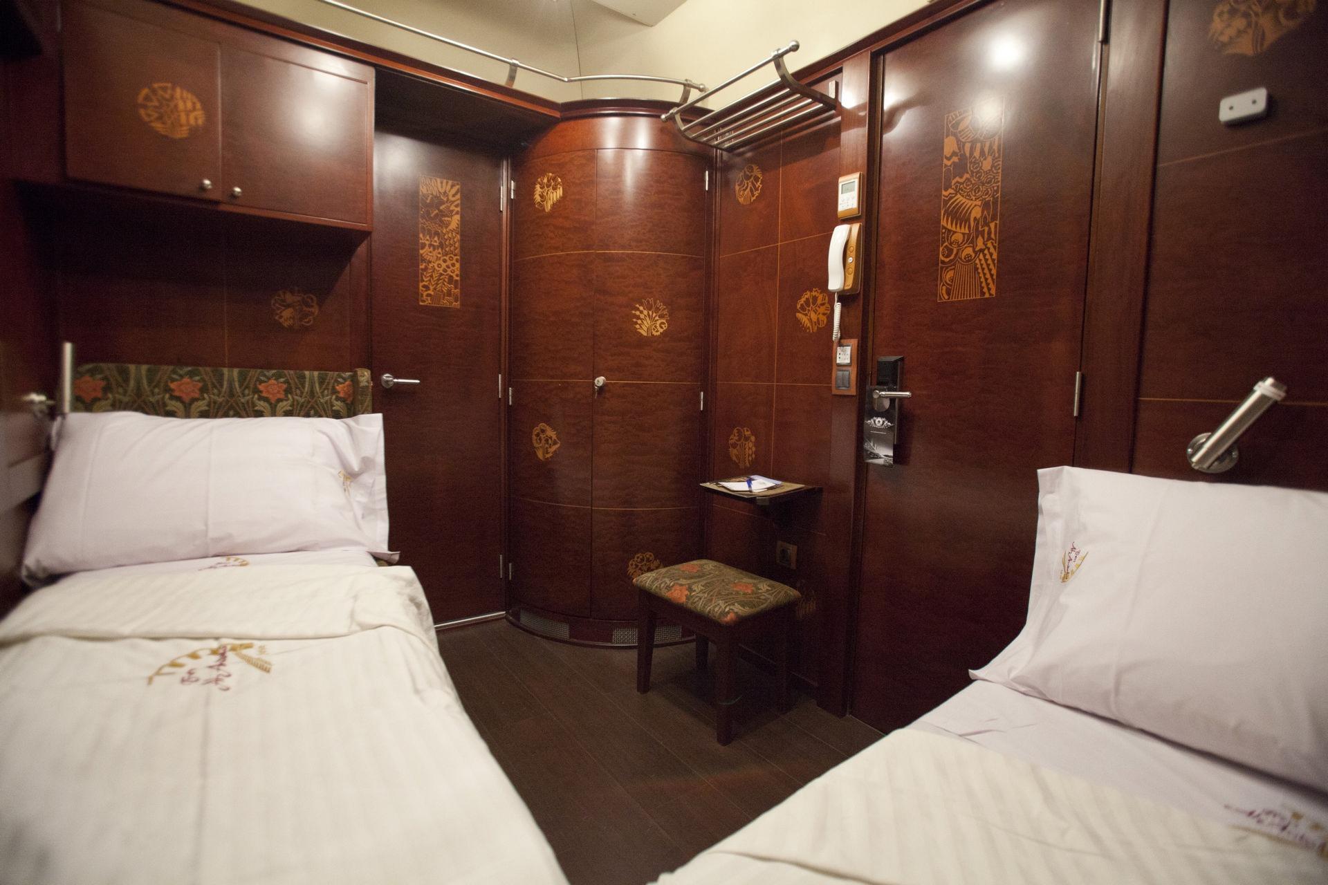 NOMAD-luksusowe-pociągi-w-Hiszpani-Al-Andalus-06