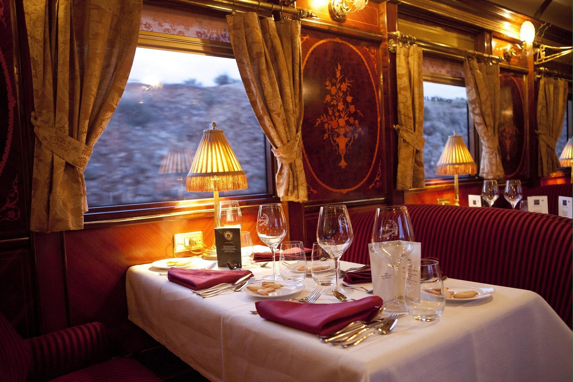 NOMAD-luksusowe-pociągi-w-Hiszpani-Al-Andalus-09