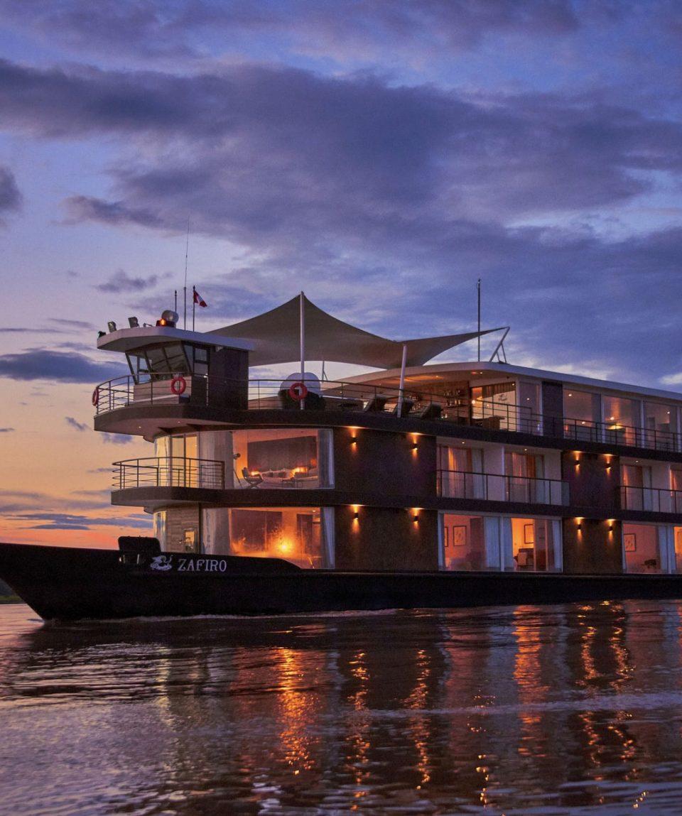 Zafiro-Cruise