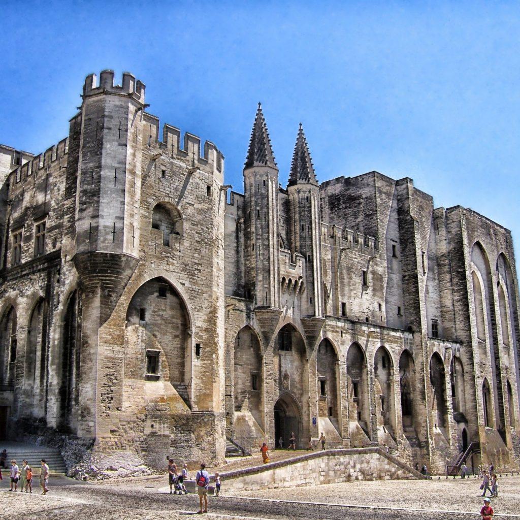 palais-des-papes-116475