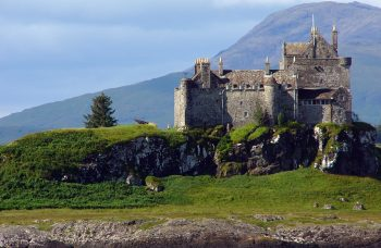 Duart Castle by Philippe Giabbanelli CC BY-SA Wikicommons
