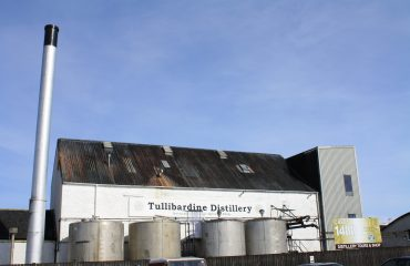 Tullibardine Distillery by Colin Kinnear CC BY-SA Wikipedia Commons